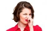 Khí hư có mùi hôi: Nguyên nhân và cách điều trị phụ nữ nên biết