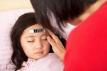Nguyên nhân sốt kéo dài ở trẻ và cách chăm sóc trẻ bị sốt