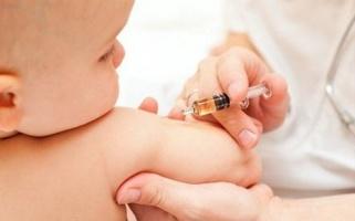 Vì sao cần tiêm vắc-xin viêm gan B cho trẻ sơ sinh trong 24 giờ đầu tiên sau sinh?
