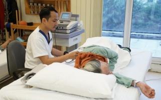 Gãy cổ xương đùi ở người cao tuổi - Điều trị và Cách phòng ngừa