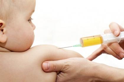 Tiêm vắc-xin sởi có gây sốt không?
