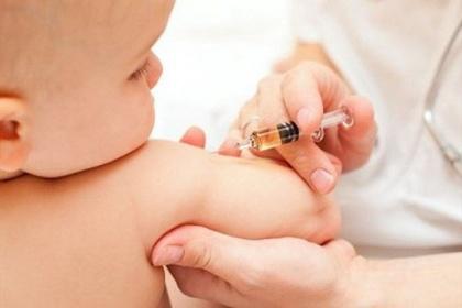 Những mũi vắc-xin phải tiêm cho trẻ trước 12 tháng tuổi