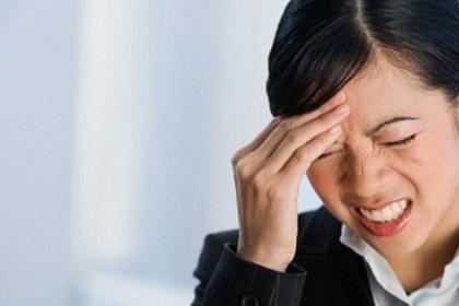 Chữa đau đầu, đau nửa đầu hiệu quả bằng tác động cột sống