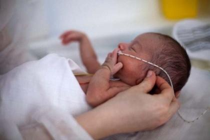 Tiêm chủng cho trẻ sinh non