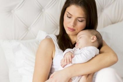 Trầm cảm sau sinh: Nguyên nhân và cách điều trị