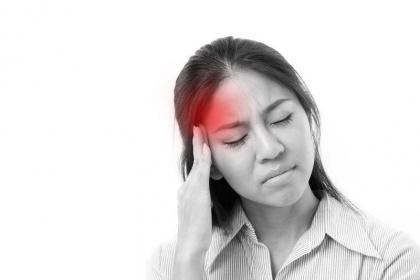 Đột nhiên đau đầu dữ dội: Cảnh giác dị dạng mạch máu não và cách phòng tránh