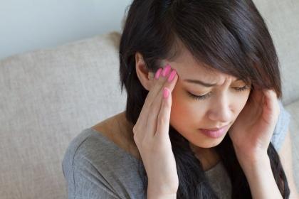 Vì sao phụ nữ dễ đau nửa đầu hơn nam giới?