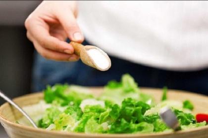 Ăn mặn liên quan thế nào tới tăng huyết áp?