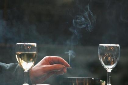 Rượu, thuốc lá, virus HPV, tiền sử gia đình và nguy cơ ung thư