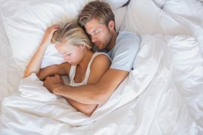 Chu kỳ đáp ứng tình dục: Điều gì xảy ra với các cơ quan trong cơ thể khi quan hệ?