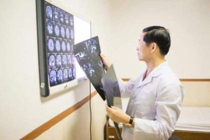 Ngoại thần kinh cột sống Phòng khám Vietlife