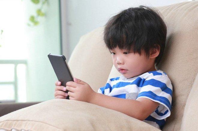 Trẻ tự kỷ hay la hét cha mẹ cần làm gì? - ảnh 2