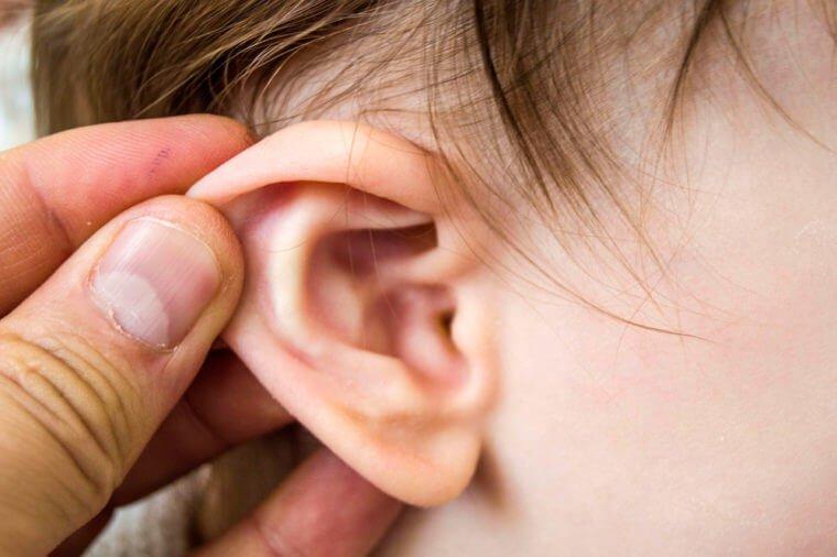 8 dấu hiệu nhận biết bệnh viêm tai giữa ở trẻ em - ảnh 2