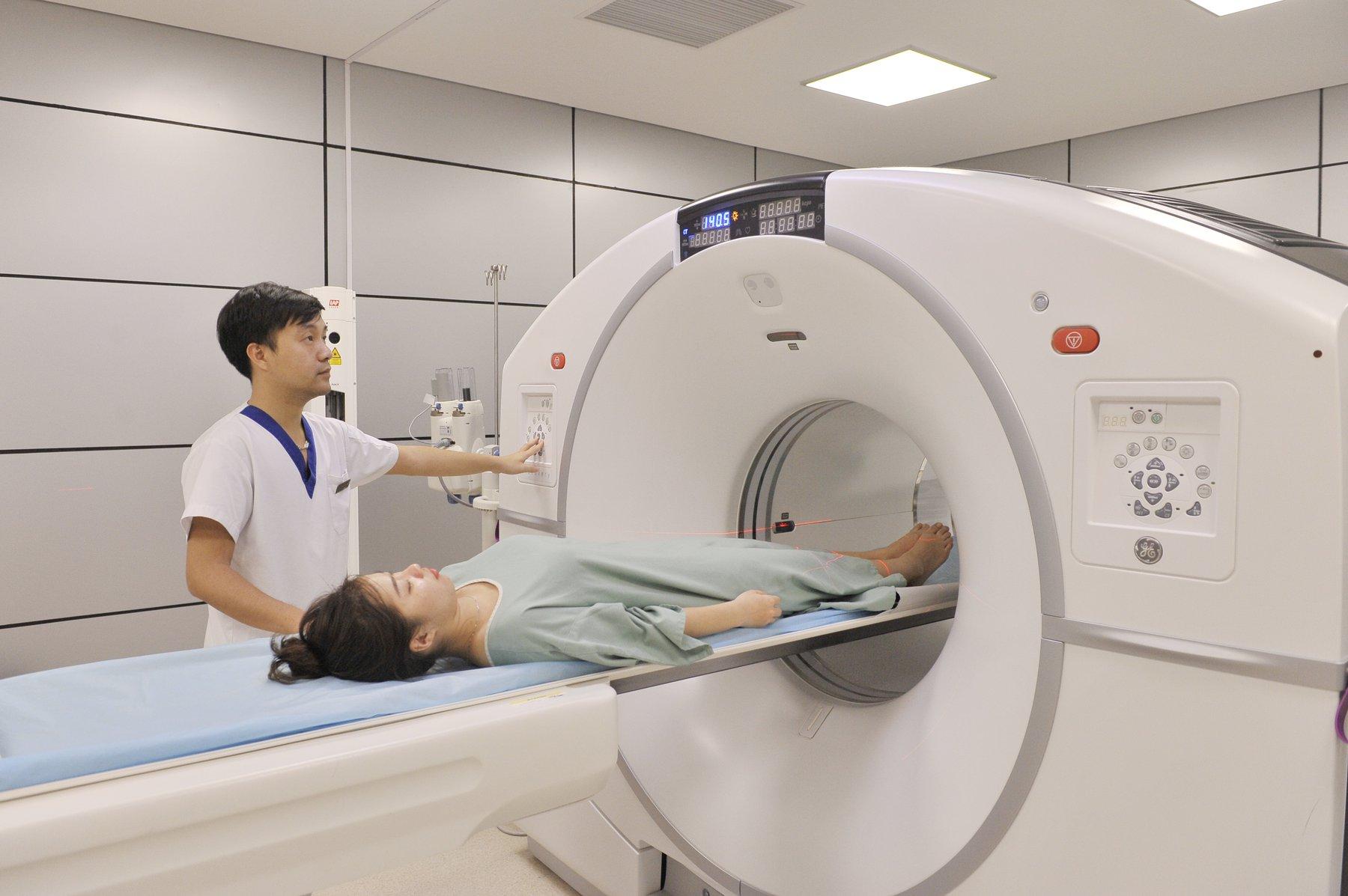 Chụp CT là gì? Trường hợp nào cần tiêm thuốc cản quang? - ảnh 4