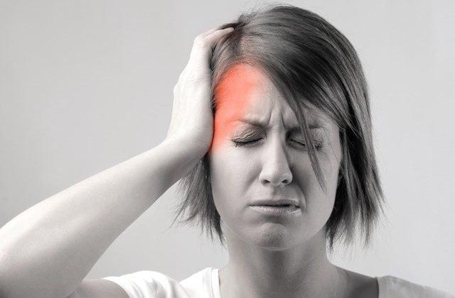 Vì sao phụ nữ dễ đau nửa đầu hơn nam giới? - ảnh 1