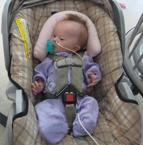 Lưu ý khi nuôi trẻ sơ sinh qua ống thông dạ dày - ảnh 1
