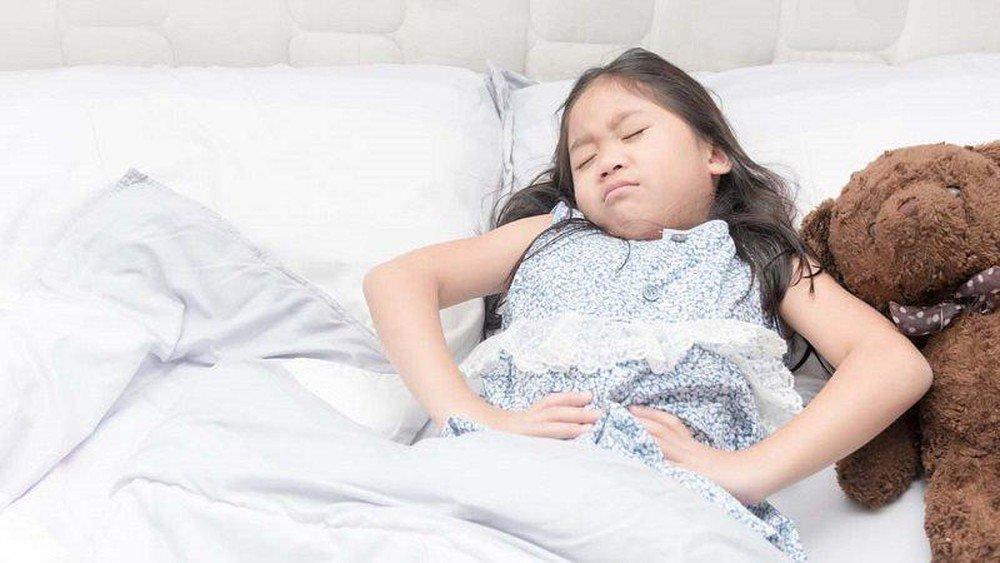 Làm thế nào để làm dịu cơn đau dạ dày của bé? - ảnh 1