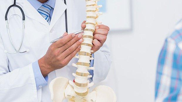 Phẫu thuật điều trị trượt đốt sống thắt lưng - ảnh 1