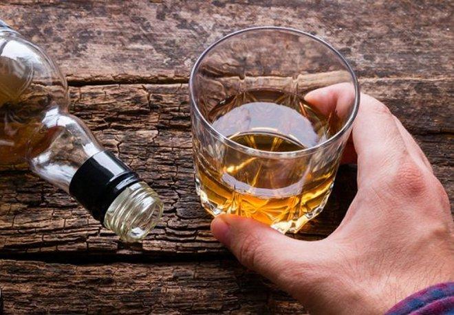 Rượu, thuốc lá, virus HPV, tiền sử gia đình và nguy cơ ung thư - ảnh 1